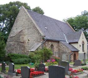 Kirche Altgolßen, außen
