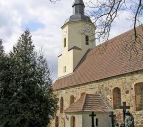 Kirche Cahnsdorf, außen