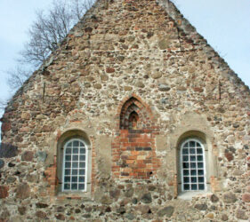 Kirche Egsdorf, Ostgiebel