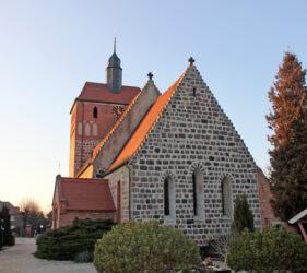 Kirche Frankena, außen