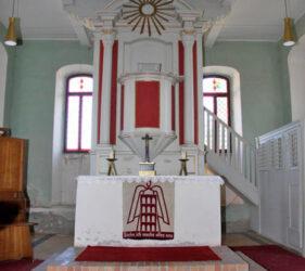 Kirche Görlsdorf, Altar