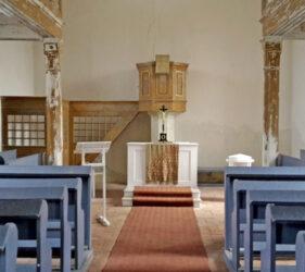 Kirche Hindenberg, innen