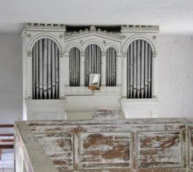 Kirche Hindenberg, Orgel