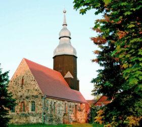 Kirche Jetsch, außen
