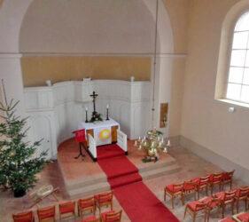 Kirche Kemlitz, Altarraum
