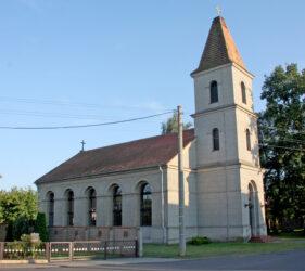 Kirche Kuschkow, außen