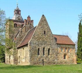 Kirche Paserin, außen