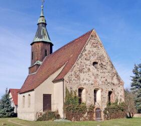 Kirche Pitschen-Pickel, außen