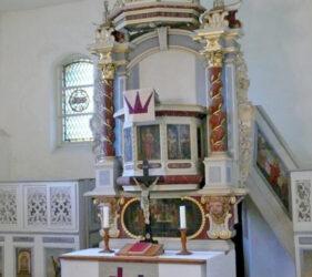 Kirche Pitschen-Pickel, Kanzelaltar