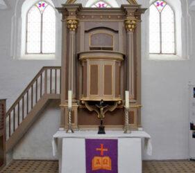 Kirche Schlabendorf, Altar
