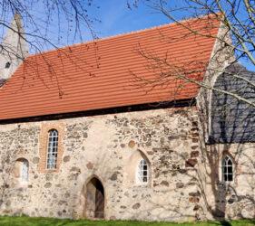 Kirche Walddrehna, außen