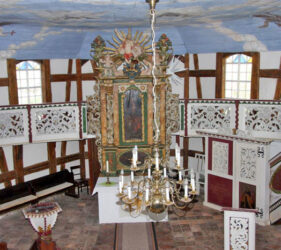 Kirche Waldow, Altarraum