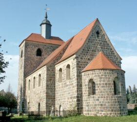 Kirche Waltersdorf, außen