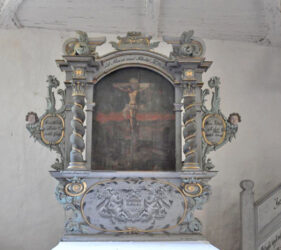 Kirche Großkrausnik, Altar