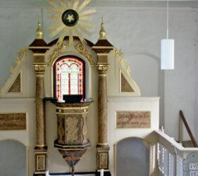 Kirche Wüstermarke, Altar