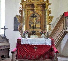 Kirche Zeckerin, Altar