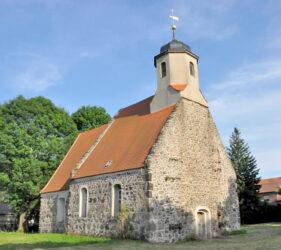 Kirche Zeckerin, außen